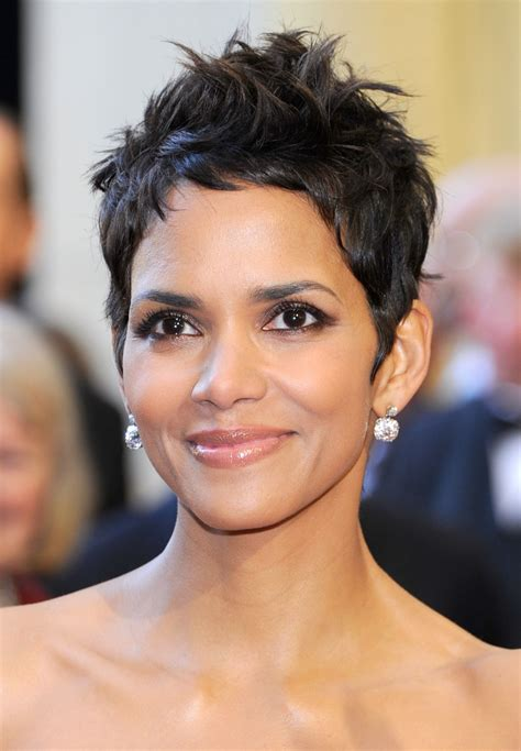 Halle Berry to present at the Oscars - Information Nigeria