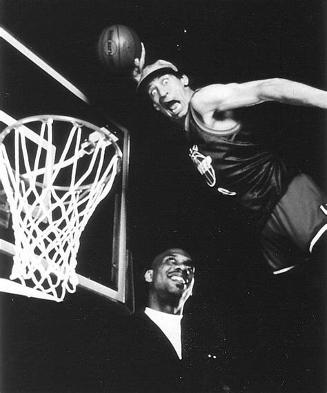 Kareem Abdul-Jabbar and Jim Varney in Slam Dunk Ernest