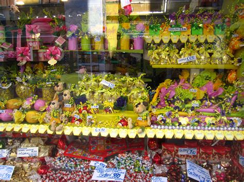 Candy store in Venice, Italy Everything tastes better in