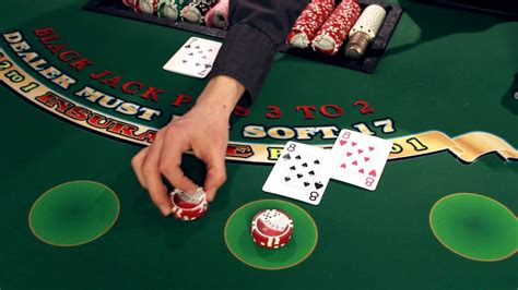 How to Play Blackjack by a Las Vegas Dealer - YouTube