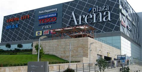 South African firm buys Arena Plaza for EUR 275 mln | The