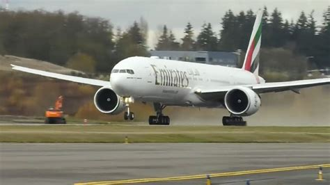 Emirates looks to new horizons as it takes its last B777