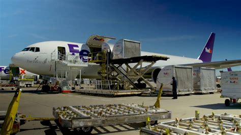 Inside the FedEx Express World Hub - YouTube