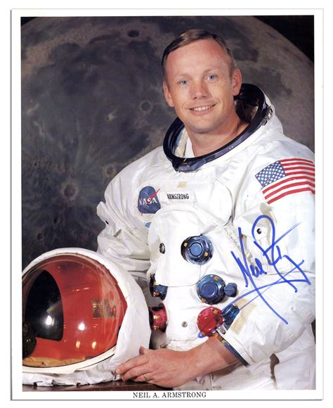 Lot Detail - Neil Armstrong Signed 8'' x 10'' Photo