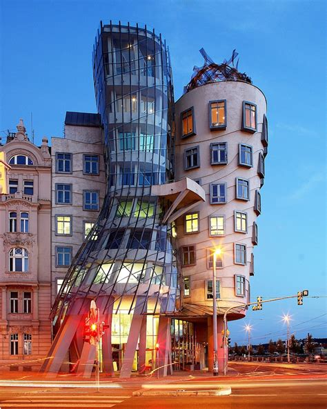 Learn About Frank Gehry Architecture, One of the Most