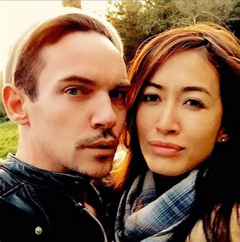 Actor Jonathan Rhys Meyers set to become a dad for the