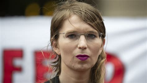 Chelsea Manning Ordered To Jail Again For Refusing To