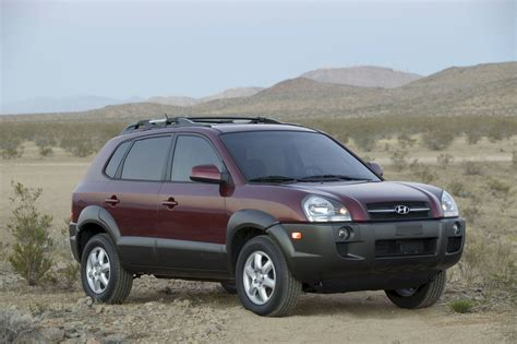 2005 Hyundai Tucson – pictures, information and specs