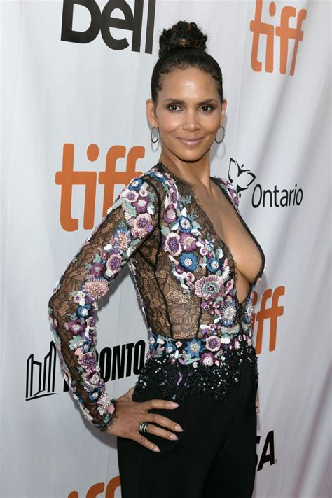 "Halle Berry - ""Kings"" Premiere in Toronto 09/13/2017"