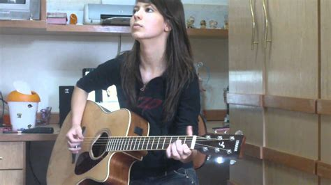 Juliana Vieira : Turn if off - Paramore (acoustic) - YouTube