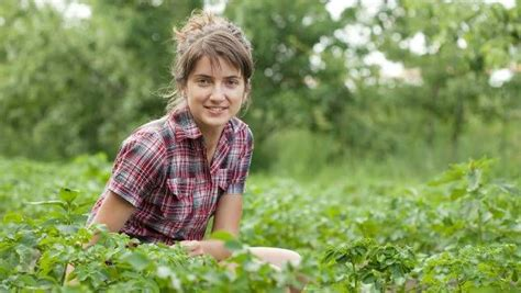 4 training courses for young farmers | MNN - Mother Nature
