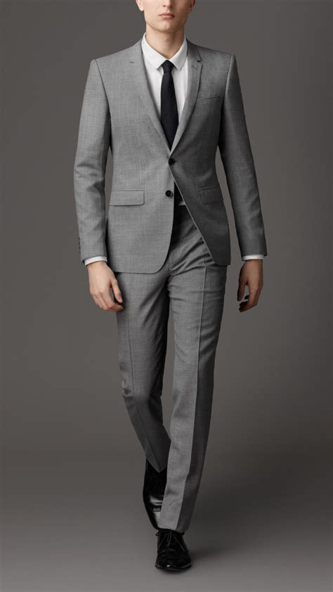 Burberry Modern Fit Virgin Wool Pinstripe Suit in Gray for