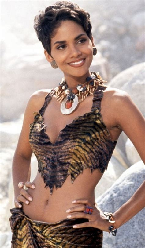 Pin by Sheila Macall on halle beauty | Halle berry style