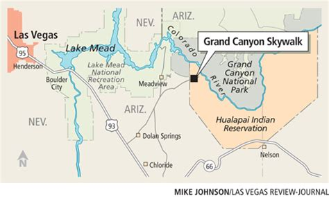 Grand Canyon Skywalk's glass bottom being replaced with